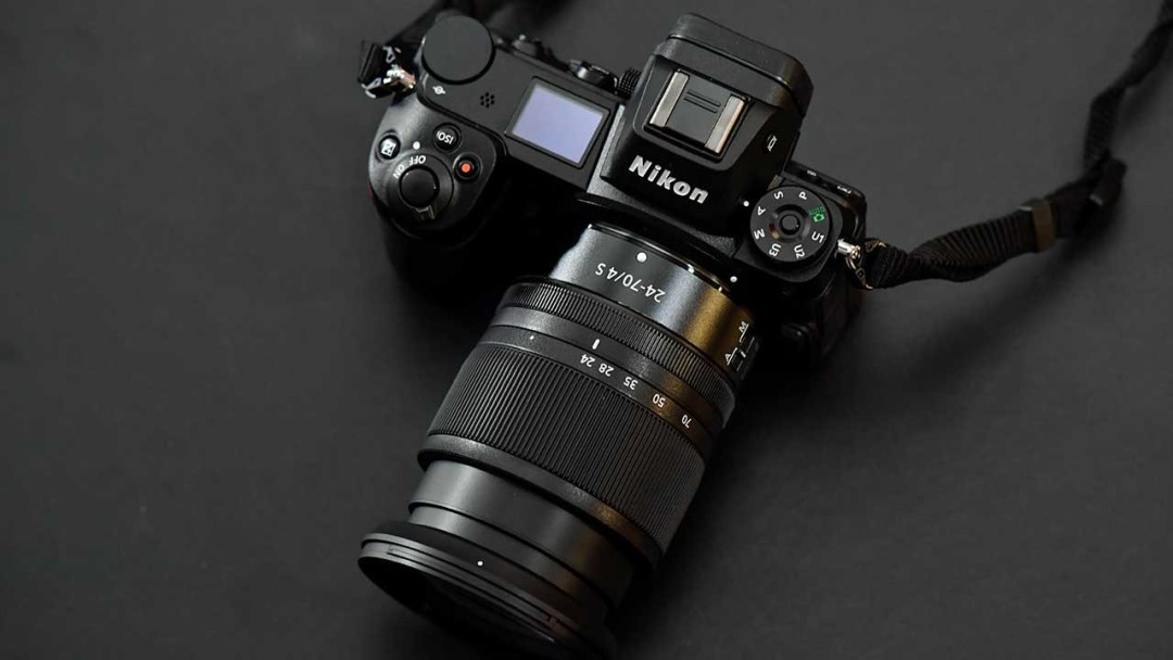 Should I buy the Nikon Z7 or Nikon D850?