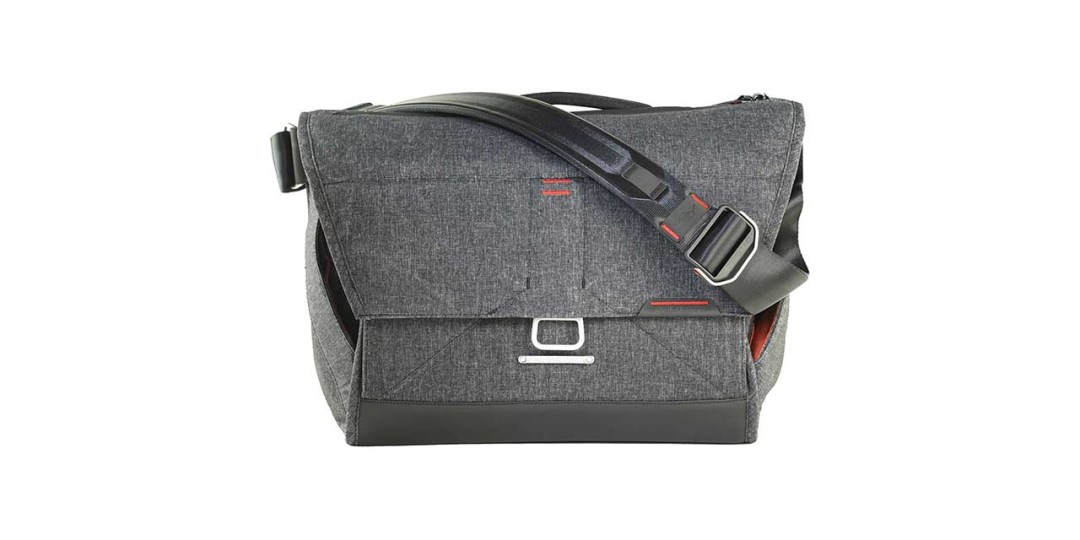 Peak Design Everyday Messenger bag