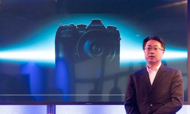 Olympus rules out medium format