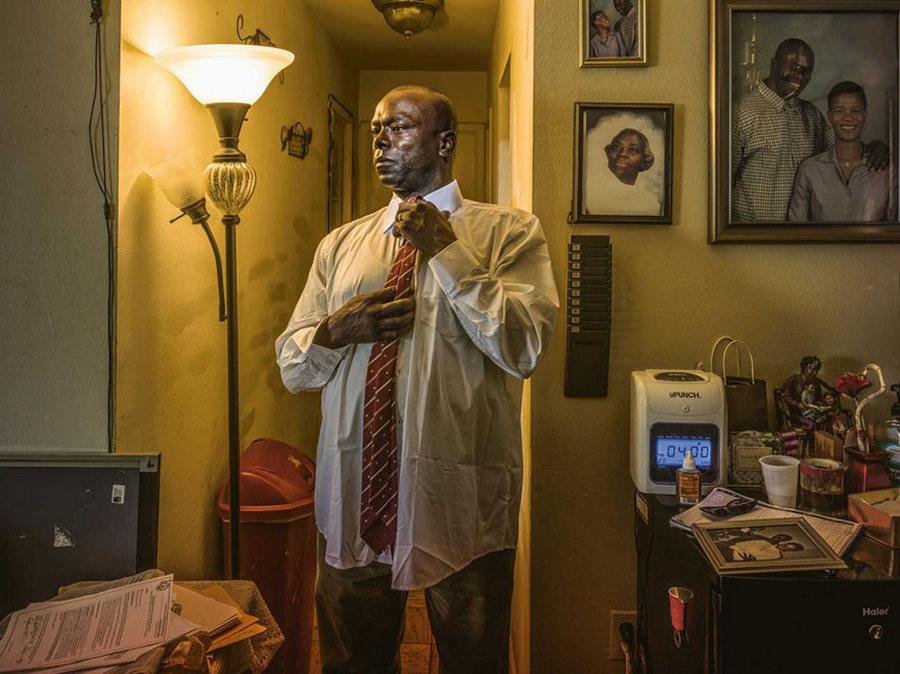 Хүчингийн хэрэгт хилсээр буруутгагдан 22 жил шоронд суусан Кирк Одом /Гэрэл зургийг Макс Агилера-Хеллвег/