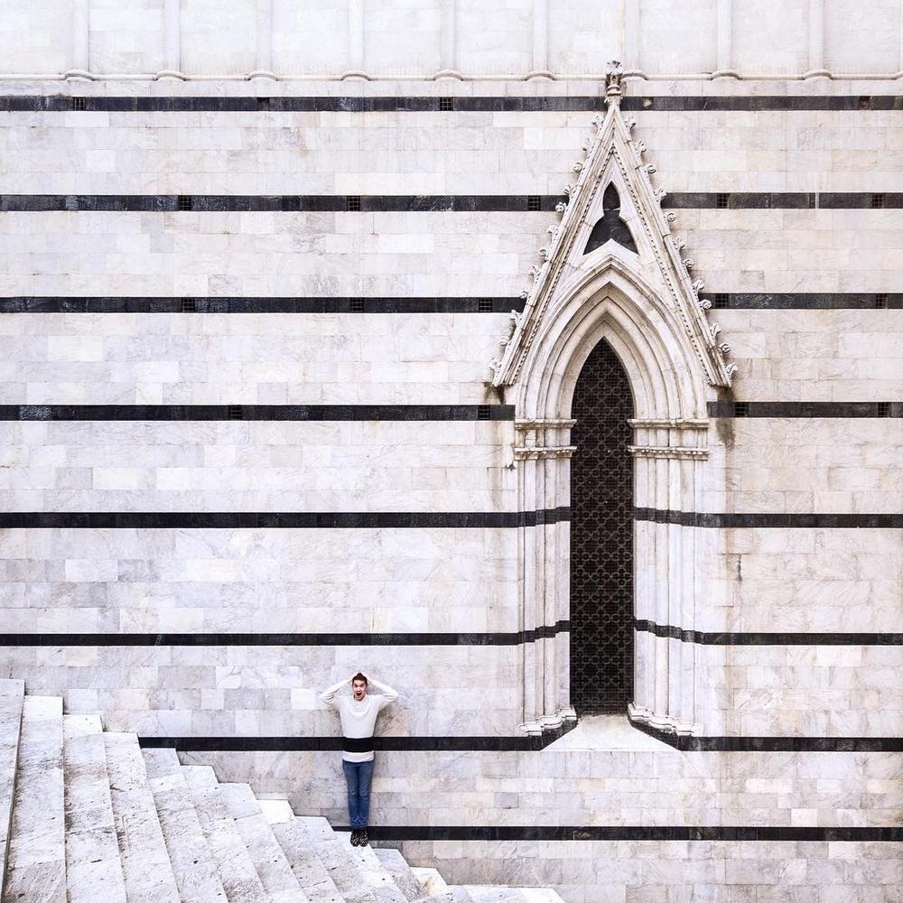 Дуэт фотографов путешествует по миру и снимает креативные архитектурные портреты  10