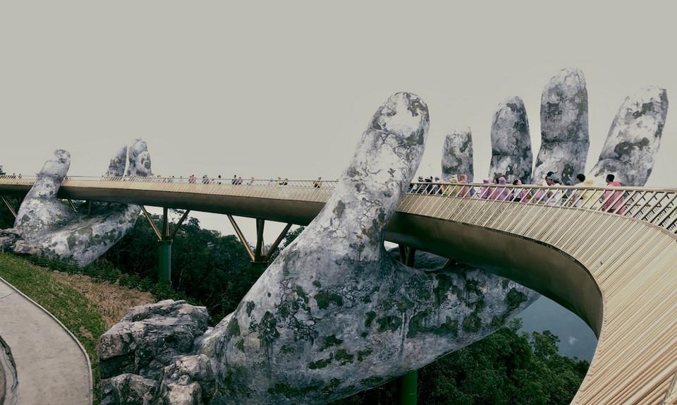 Во Вьетнаме построили мост, от которого захватывает дух 4