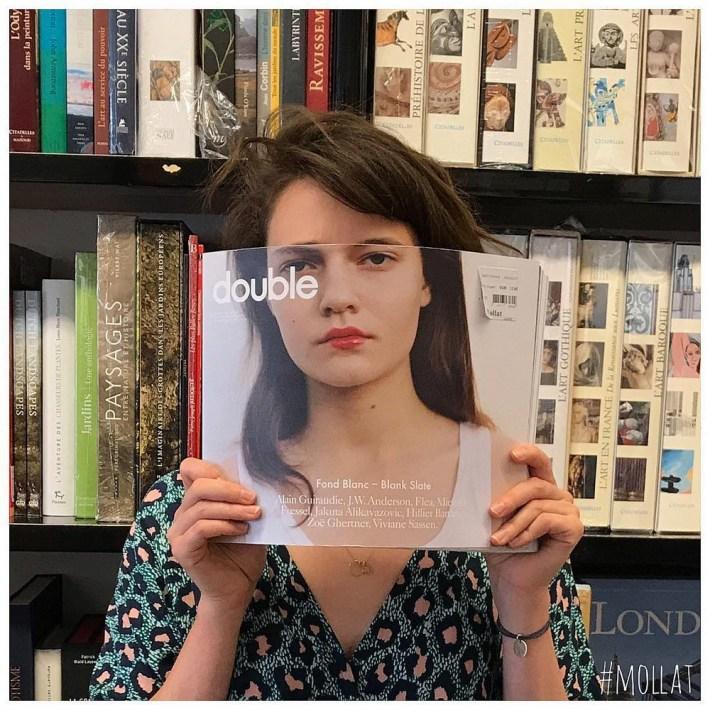 Book-Face-kreativnye-snimki-s-oblozhkami-knig 14