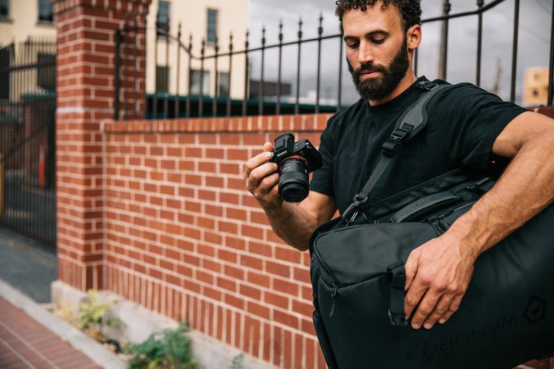 กระเป๋ากล้อง wandrd hexad duffle สำหรับนักท่องเที่ยว และช่างภาพ