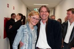 Tudi na hodniku druženje; režiserja Haidy Kancler, naša violinistka, in Bojan Labovič.