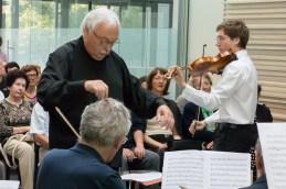 Dirigent in Andrej.