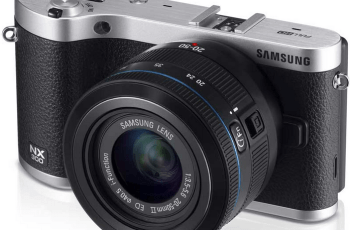 Samsung NX300 Manual for Samsung's Stylish Camera with Built-In Wi-Fi 2