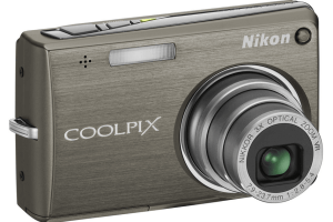 Nikon CoolPix S700 Manual for Nikon Sleek-styled Compact