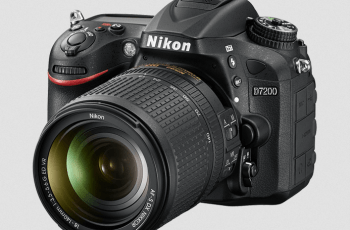 Nikon D7200 Manual (camera body with lens)