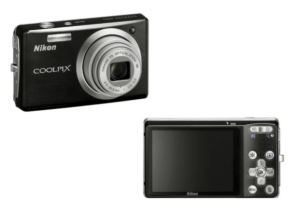 Nikon CoolPix S560 Manual - camera front and back side