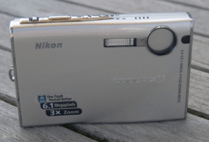 Nikon CoolPix S9 Manual - camera front side