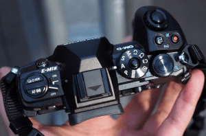 Olympus E-M1 Mark II Manual - Camera up side