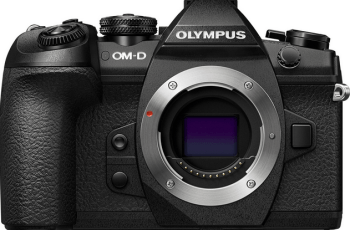 Olympus E-M1 Mark II Manual for Olympus Sophisticated Mirrorless Camera