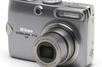 Nikon CoolPix P3-Nikon's Powerful Point and Shot Camera