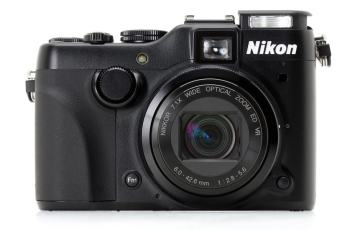 Nikon CoolPix P7100 Manual - camera front face