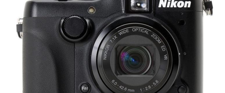 Nikon CoolPix P7100 Manual - camera front face