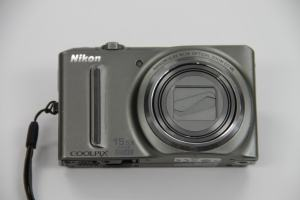 Nikon CoolPix S9050 Manual-camera front side