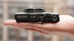 Nikon CoolPix S9700 Manual - camera side