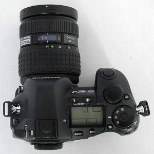 Olympus E-1 Manual - camera side