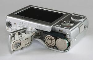 Olympus FE-180 Manual-camera side