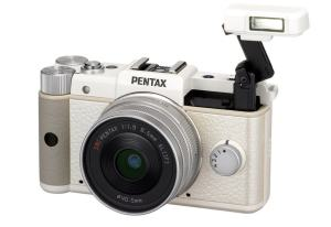 Pentax Q Manual - camera with flash