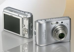 Nikon CoolPix L15 Manual - camera front and back side