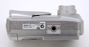 Olympus D-560 Zoom Manual - camera side