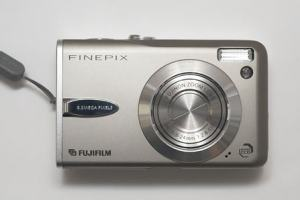 Fujifilm FinePix F30 Manual -camera front side