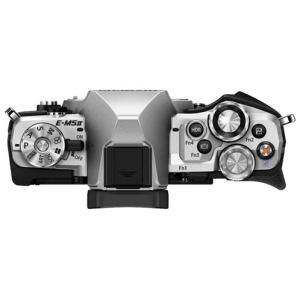 Olympus E-M5 Mark II Manual-camera side