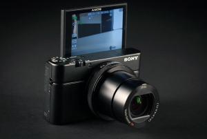 Sony DSC-RX100 IV Manual-camera front face