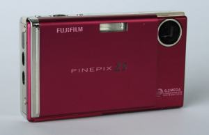 Fujifilm FinePix Z5fd Manual for First Fuji's Z-series with Face Detection AF