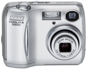 Nikon Coolpix 3200 Manual - camera front face