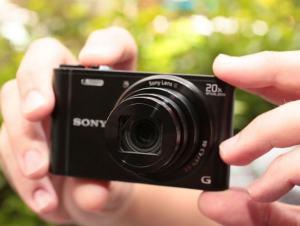 Sony DSC WX300 Manual - camera in use