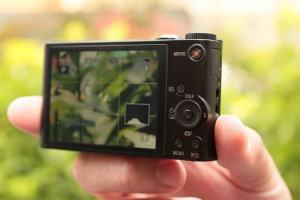 Sony DSC WX300 Manual - camera rear side