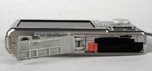 Olympus FE-280 Manual - camera side