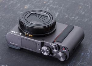 Panasonic ZS200 Specification;