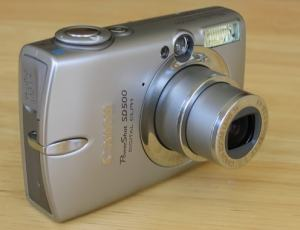 Canon PowerShot SD500 Manual - camera front face