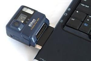 Nikon CoolPix 100 Manual - camera mounted to Laptop