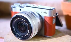 Digital Camera Brand: Fujifilm X-A5