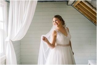 Gathered Oaks Barn Fall Wedding_0033