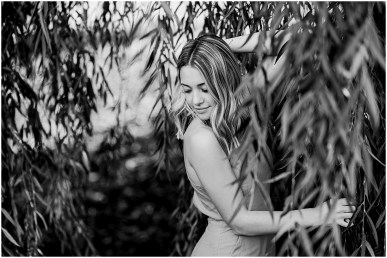 Class of 2019 Senior Spokesmodel Senior Experience featuring Taylor Wright by Cameron and Tia Photography in a willow tree