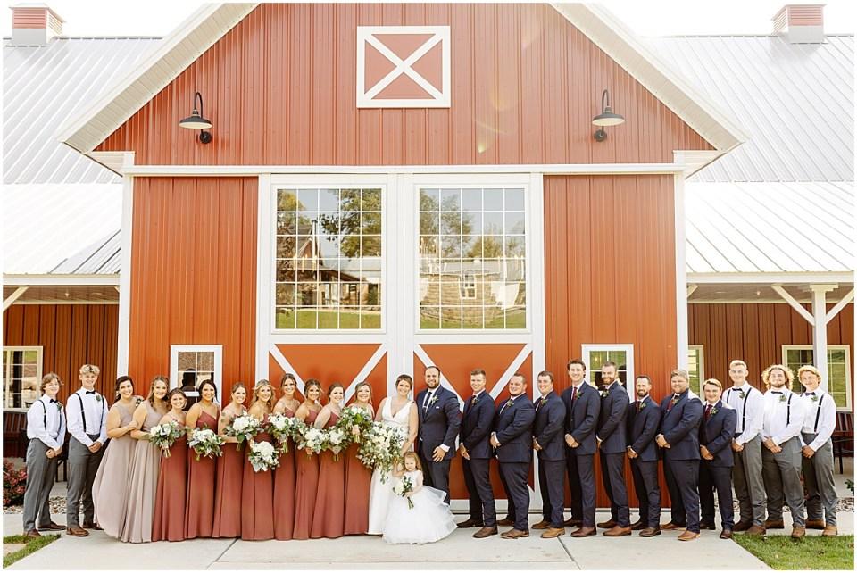 bridal party at red barn farm minnesota