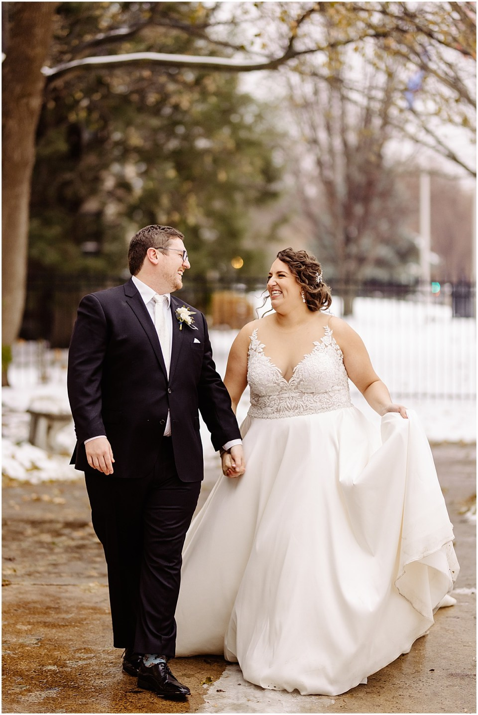 Outdoor wedding portraits at St. Paul College Club
