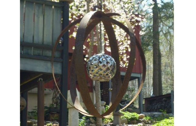 Metal-globe-650x418