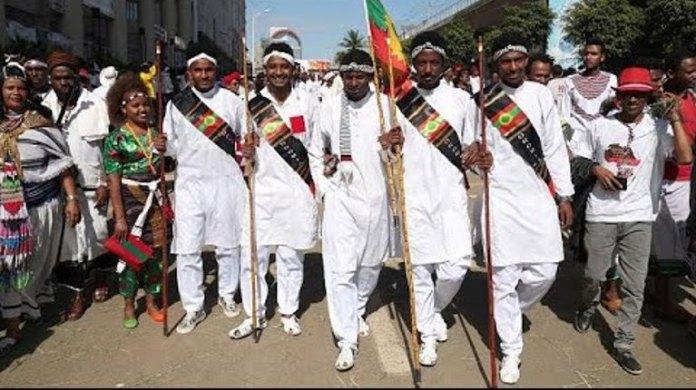 Célébration en Ethiopie de la fête de l'Irreechaa.