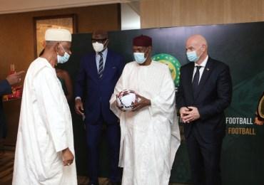 Cameroun : Issa Hayatou grandement honoré par la CAF
