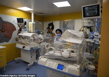 Urgent : Une femme donne naissance à 10 bébés