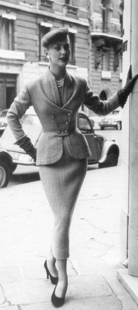 Balmain, 1954