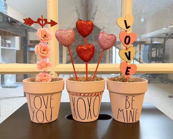 DIY Valentine's day decoration Topiary Trees