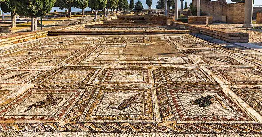 Mosaicos romanos, tipos, temáticas y su proceso de elaboración.